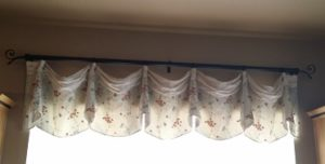 Rod Mounted Imperial Valance With Cuff